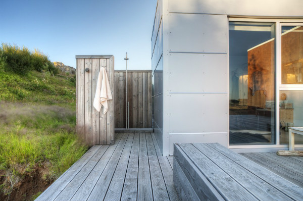 Bath-room-Ice-House-by-Minarc