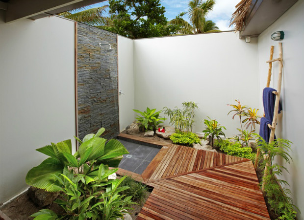 outdoor-bathroom-designs-that-you-gonna-love-38