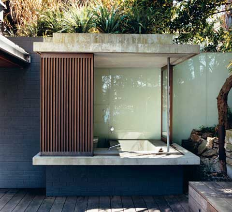 outdoor-shower-bath