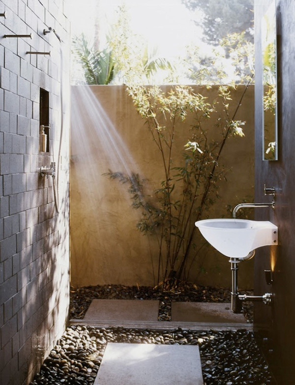 outdoor-shower-cl-david-hertz-architects-600x784