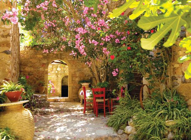 mediterranean-garden-ideas-300x220-mediterranean-garden-ideas-616x453