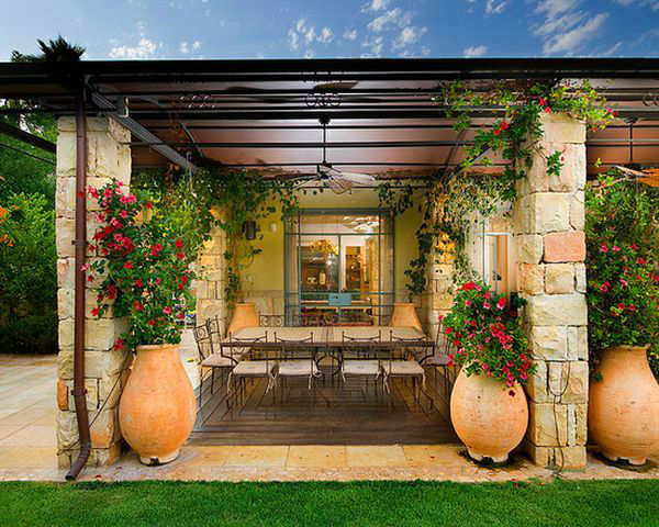 mediterranean-orange-patio