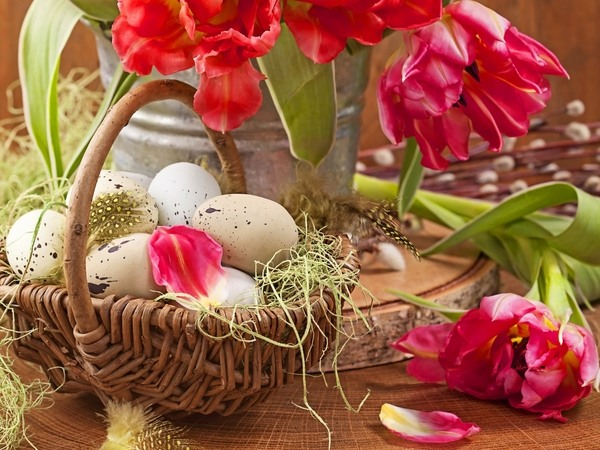 easter-basket-ideas-table-decoration-eggs-flowers